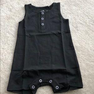 June & January black sleeveless romper 6/12 month